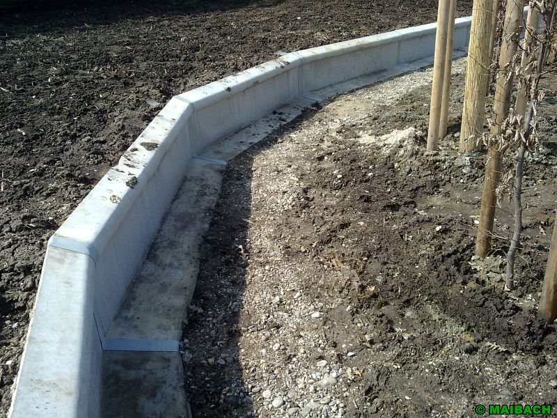 Leiteinrichtung aus beton - Billardtisch aus beton oeffentlichen bereich ...